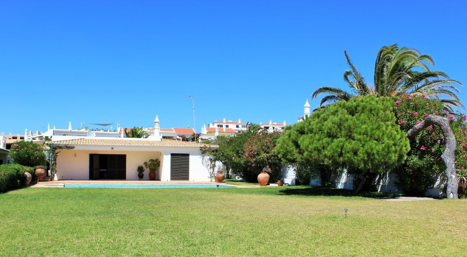 Albufeira,4 Bedrooms Bedrooms,4 BathroomsBathrooms,Villa,EAV-2469